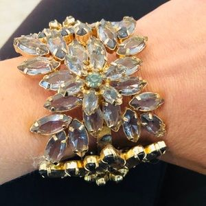 Jewelry - Beautiful statement bracelet!